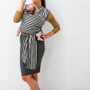 Babylonia-tricot-slen-design-black-white-stripes-rekbare-draagdoek