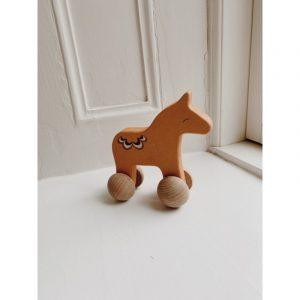 konges-slojd-paard-rolling-horse
